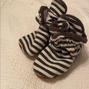 Other - Fleece lined infant booties